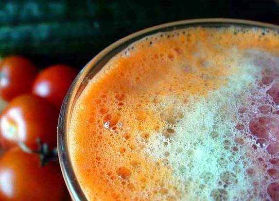 carrot, cucumber and tomato juice combo