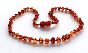 5 Possible Health Benefits of an Amber Necklace