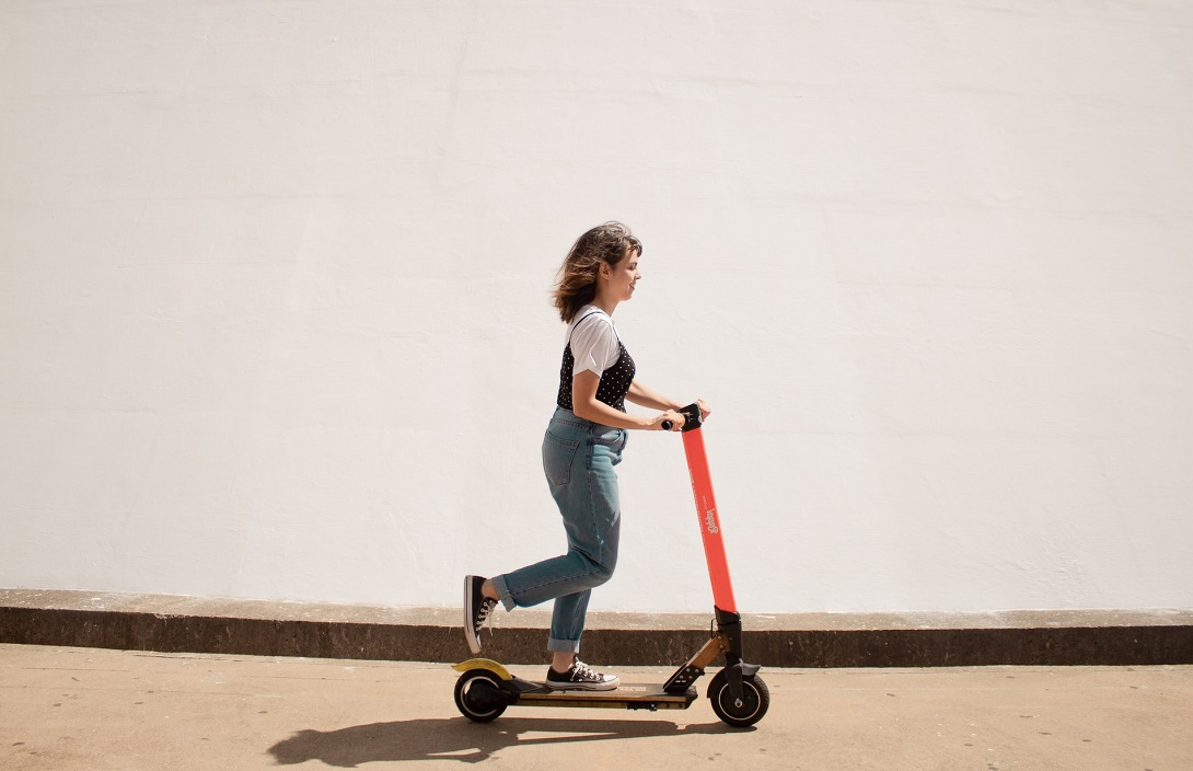 electric-scooter-girl-riding