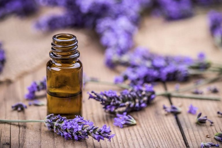 How You Can Use Aromatherapy To Work Your Way Around Everyday Office Problems