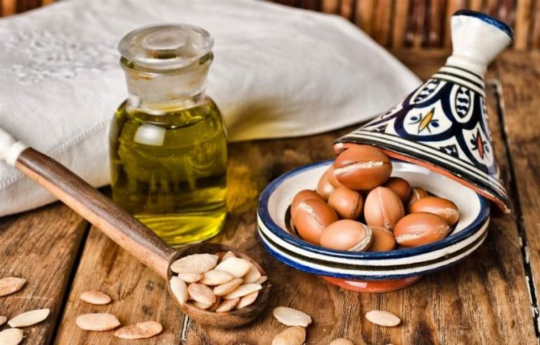The Use of Pure Argan Oil for Hair